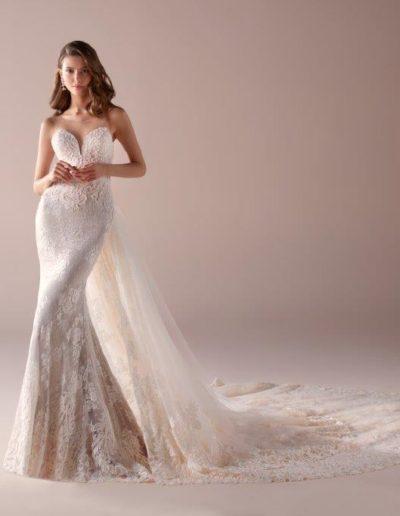 abito da sposa modello 875 Romance di Nicole