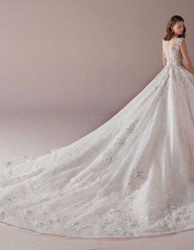 abito da sposa modello 809 Romance di Nicole