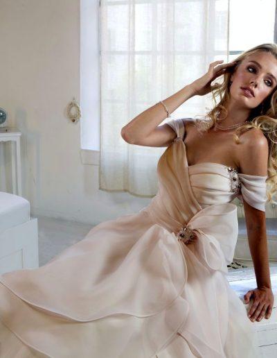 Abito da sposa modello Layla di Le Rose