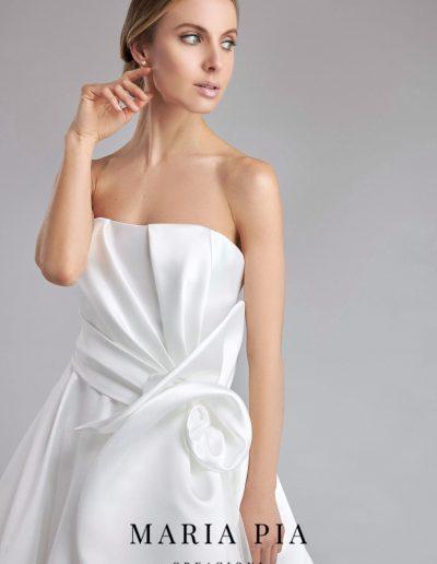 Abito da sposa modello Bianca di Maria Pia Creazioni