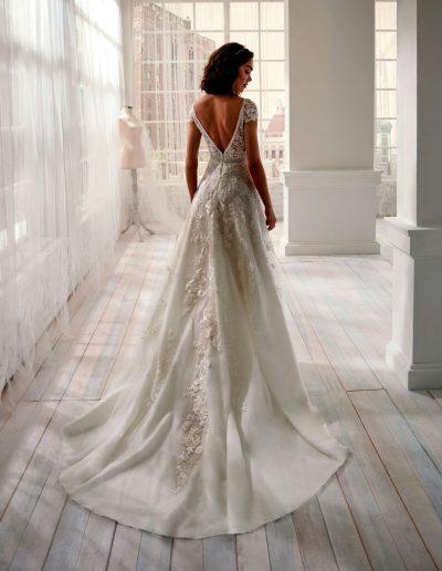 Abito da sposa modello 20101 Jolie di Nicole