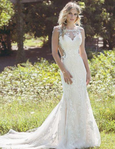 Abito da sposa modello 6485 di Lillian West